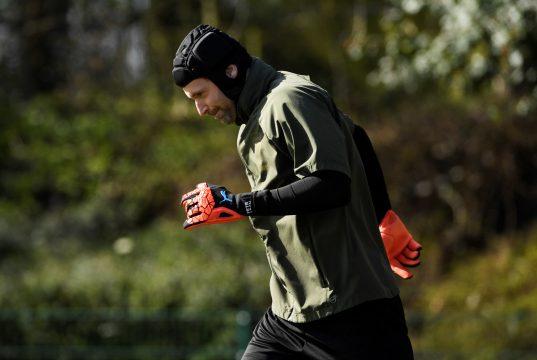 Cech retire