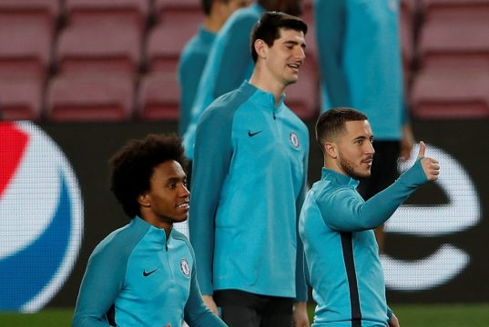 Chelsea star Willian is not distracted by Barcelona rumours
