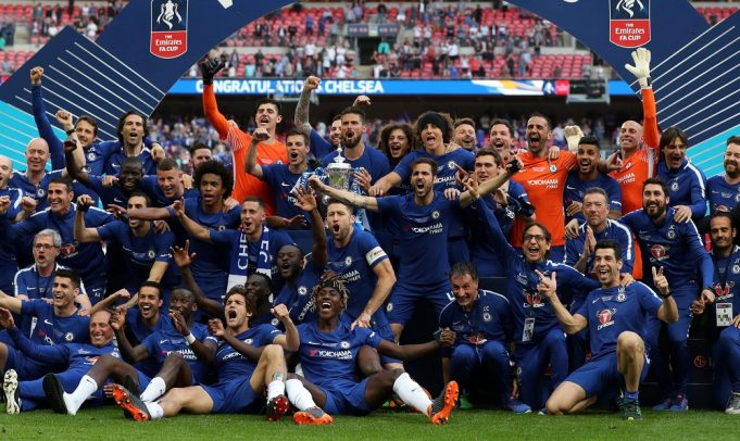 Maurizio Sarri has urged Chelsea to keep hold of two players at any cost