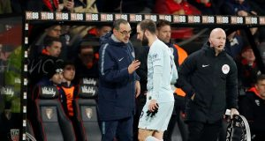 Chelsea fans express their displeasure at Sarri's decision to take Higuain off