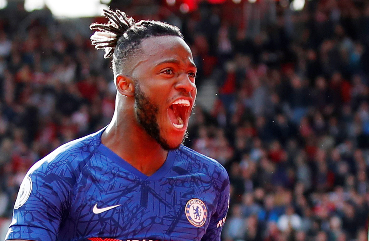 Crystal Palace consider January transfer swoop for Chelsea duo Batshuayi & Giroud