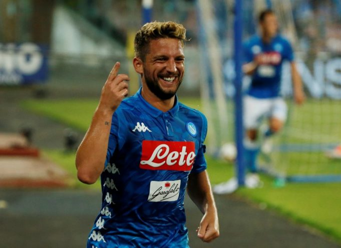 Chelsea and Napoli in talks for striker Dries Mertens