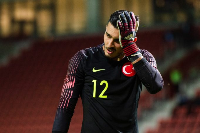 Chelsea to battle Liverpool for Turkish goalkeeper Ugrucan Cakir