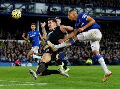 Chelsea Looking To Bring In Experienced Defender Lewis Dunk