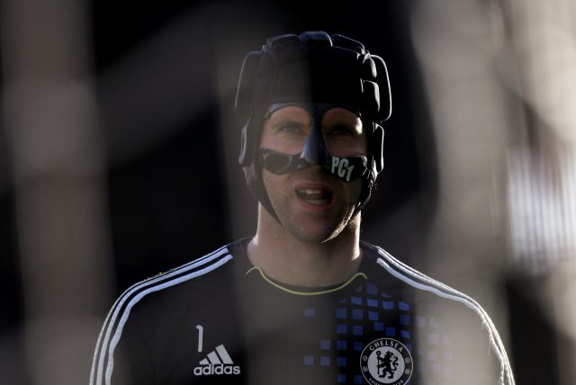 Petr Cech taking new role to help overcome Chelsea's goalkeeper troubles (CFC)