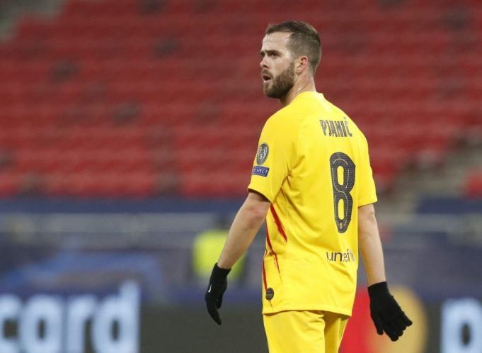 Chelsea Eyeing Up Cunning Move For Miralem Pjanic